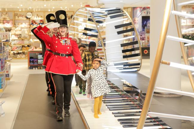 FAO Schwarz outlet store