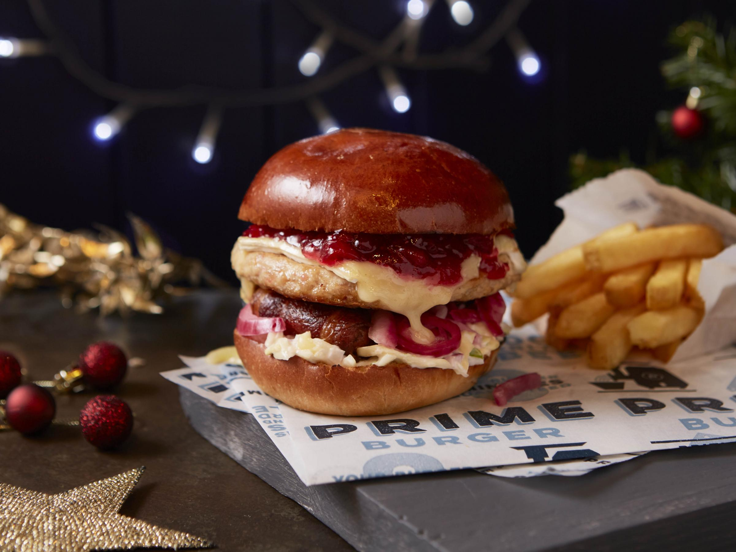 CALLING ALL FESTIVE FOOD FANATICS… YOU CAN NOW GET A FULL CHRISTMAS DINNER IN A BUN!