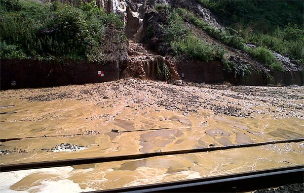 Richmond and Twickenham Times: Pictures from the scene of a mudslide on a rail line in Croydon.