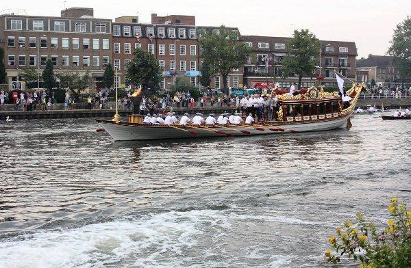 Final journey: Gloriana passing River House in Kingston, Picture Credit Ian Appleford