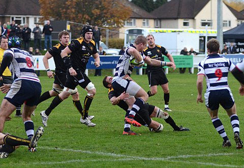 Esher beat Coventry to set up crunch Park clash
