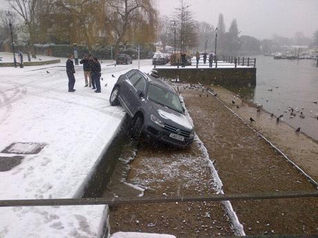 Car slides in the snow at Twickenham Riverside