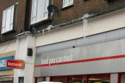 Firefighters called to overhanging icicles in Central Parade, New Addington