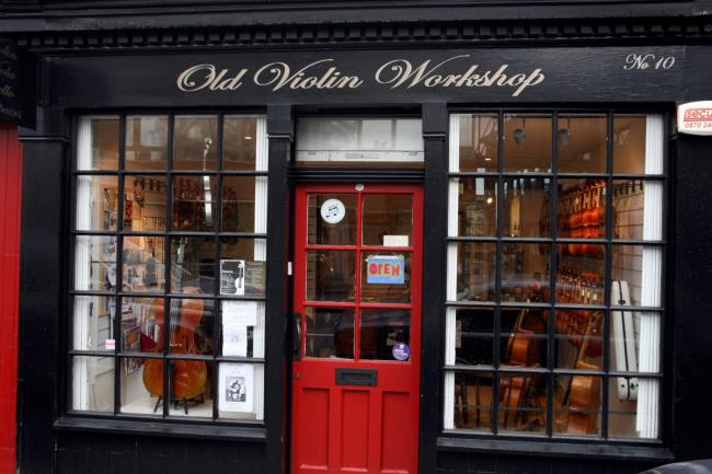 Violin shop in Hampton Hill features in charming Christmas ad
