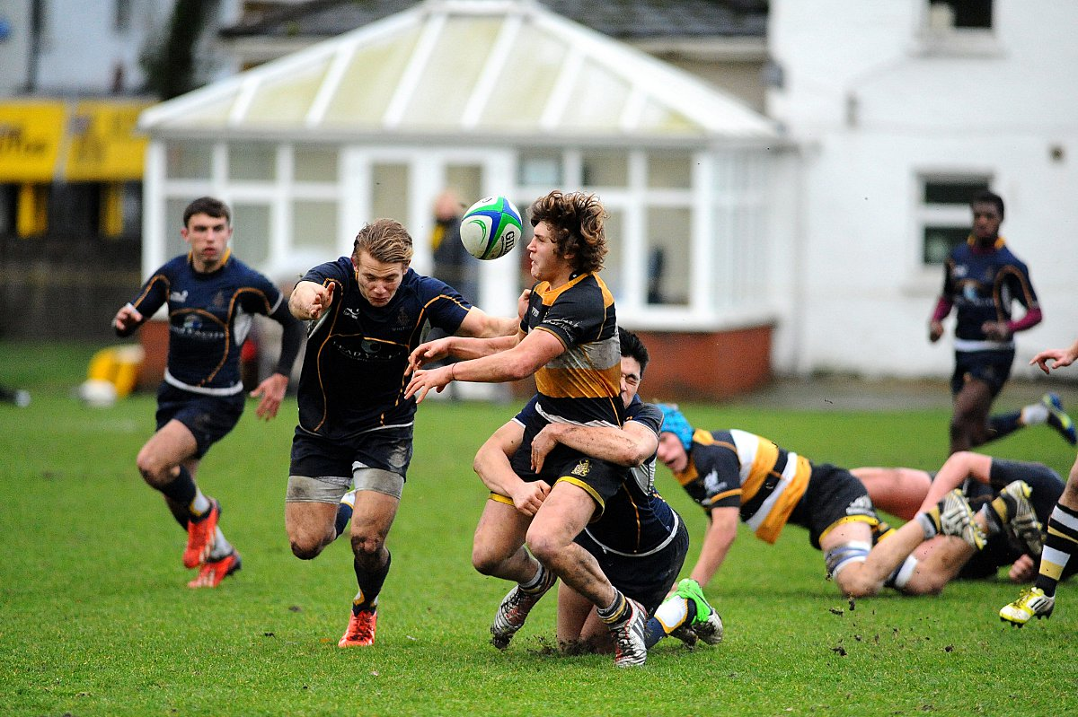 Hampton edge out Whitgift in Natwest Cup