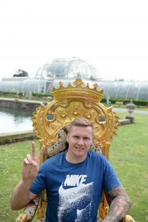 Back in town: David Weir at Kew Gardens this week lending his support to the Richmond Running Festival