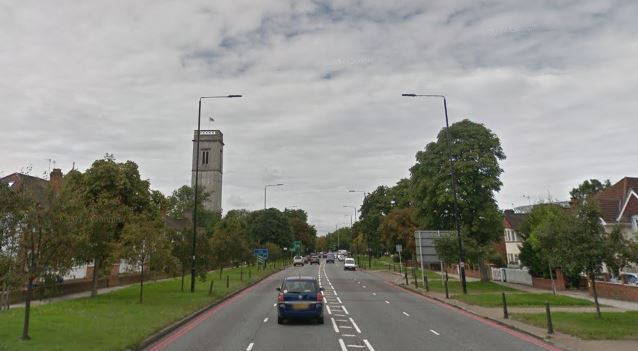 Man hospitalised after Chertsey Road crash
