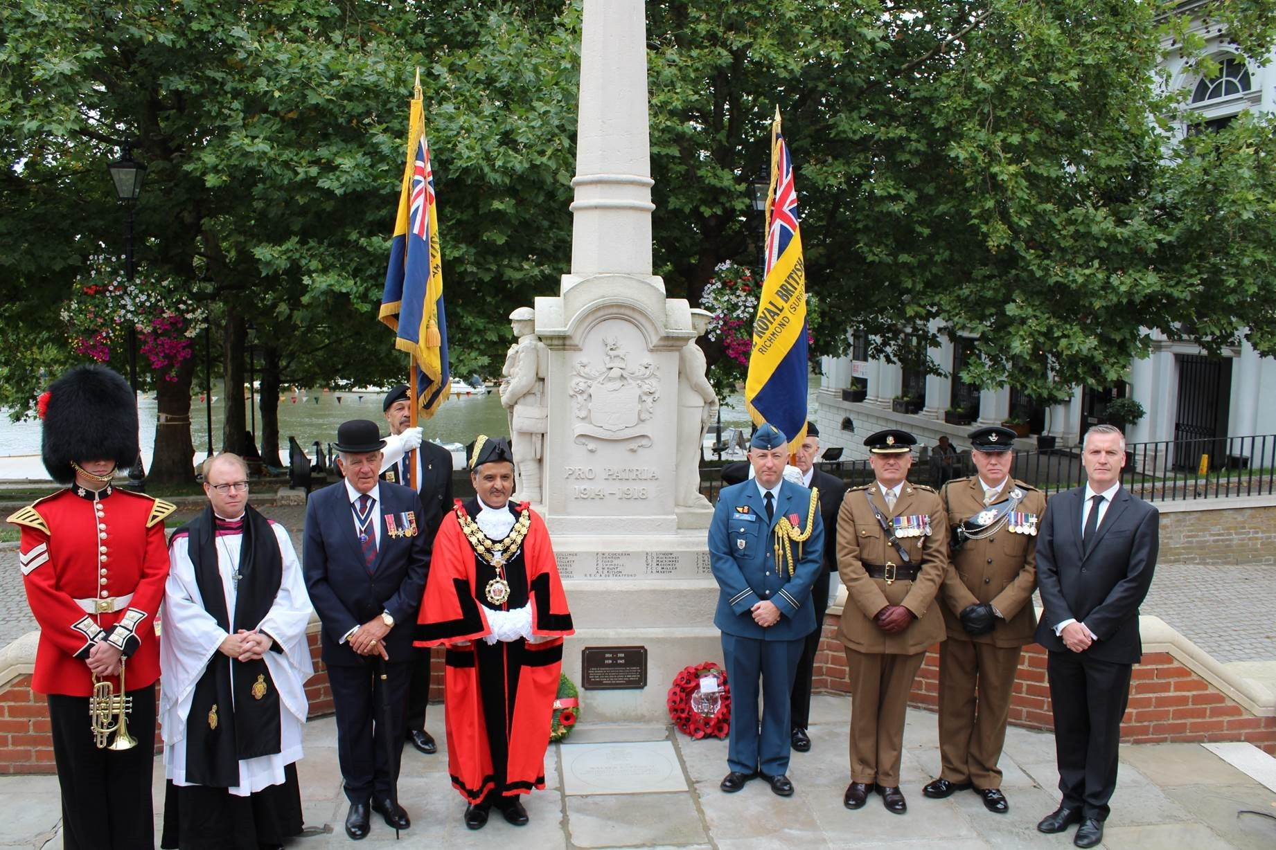 Commemoration at the Richmond war memorial